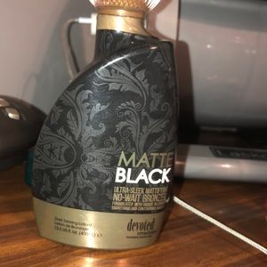 Other - Matte black tanning lotion 💢